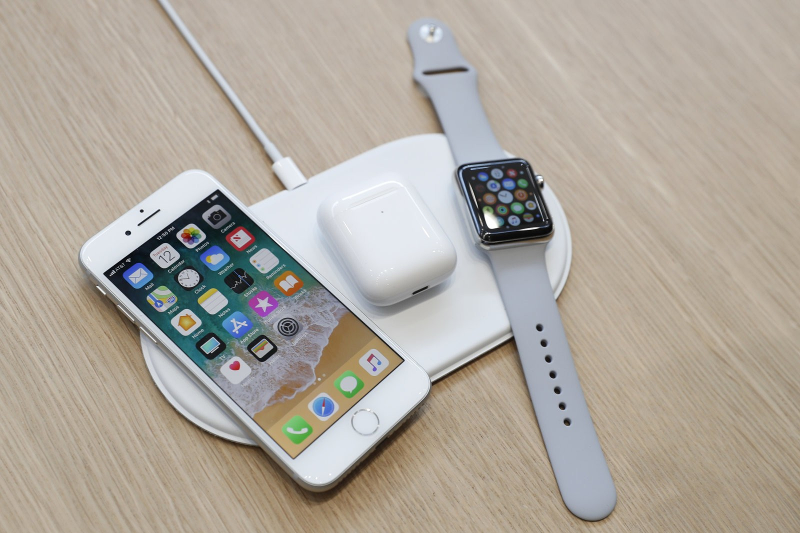 Apple To Supposedly Launch AirPower Wireless Charging Mat By September 2018